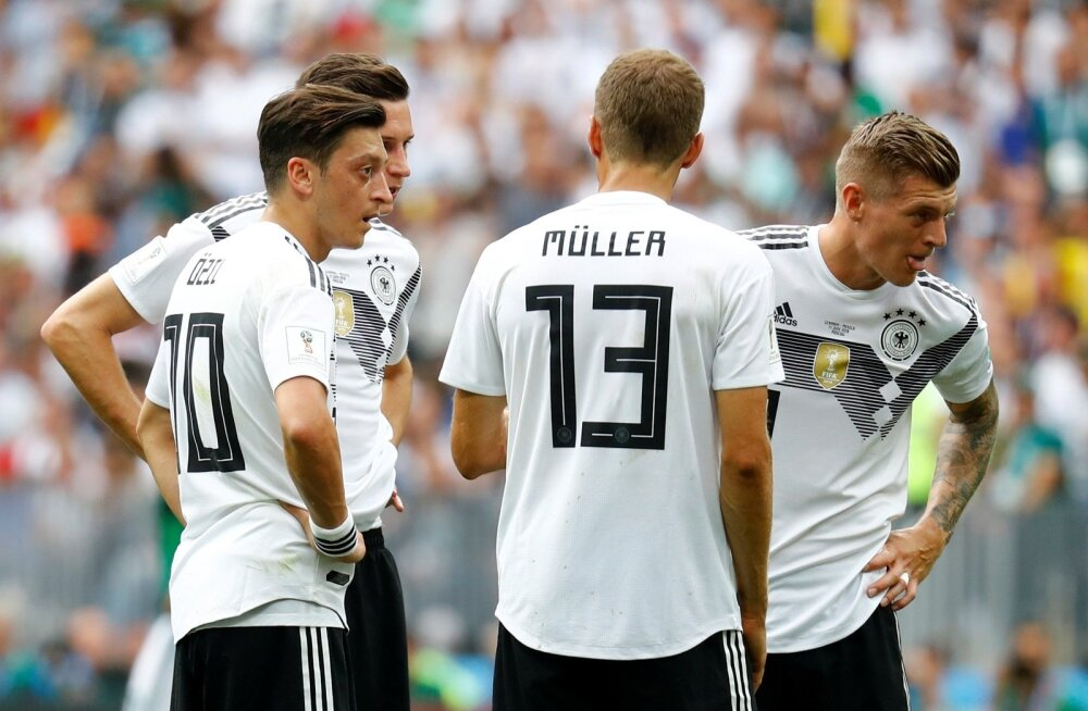 Mesut Özil ja Thomas Müller olid MM-i ajal erinevates leerides.