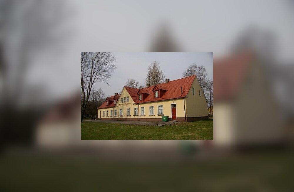 """Järvamaa Muuseum kandideerib tiitlile """"Aasta muinsuskaitsja muuseumist 2011"""""""