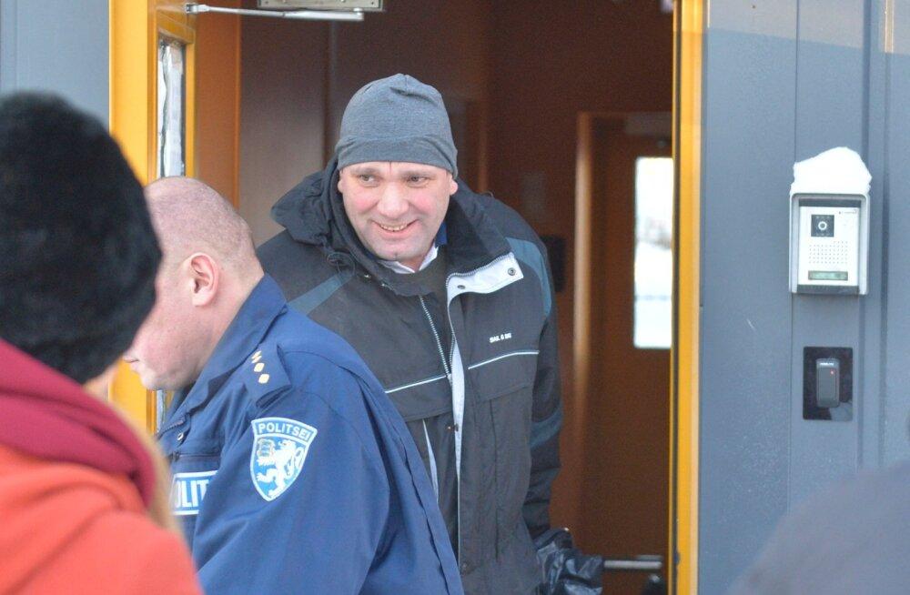 FOTOD JA VIDEO: Altkäemaksukahtlusega Tallinna Sadama eksjuht Allan Kiil pääses arestimajast