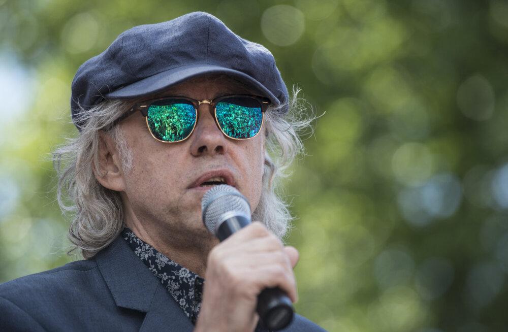 VIDEO: Räme suuvärk! Bob Geldof sõimas oma kontserdile tulnud inimesi, rahvas lahkus solvatuna