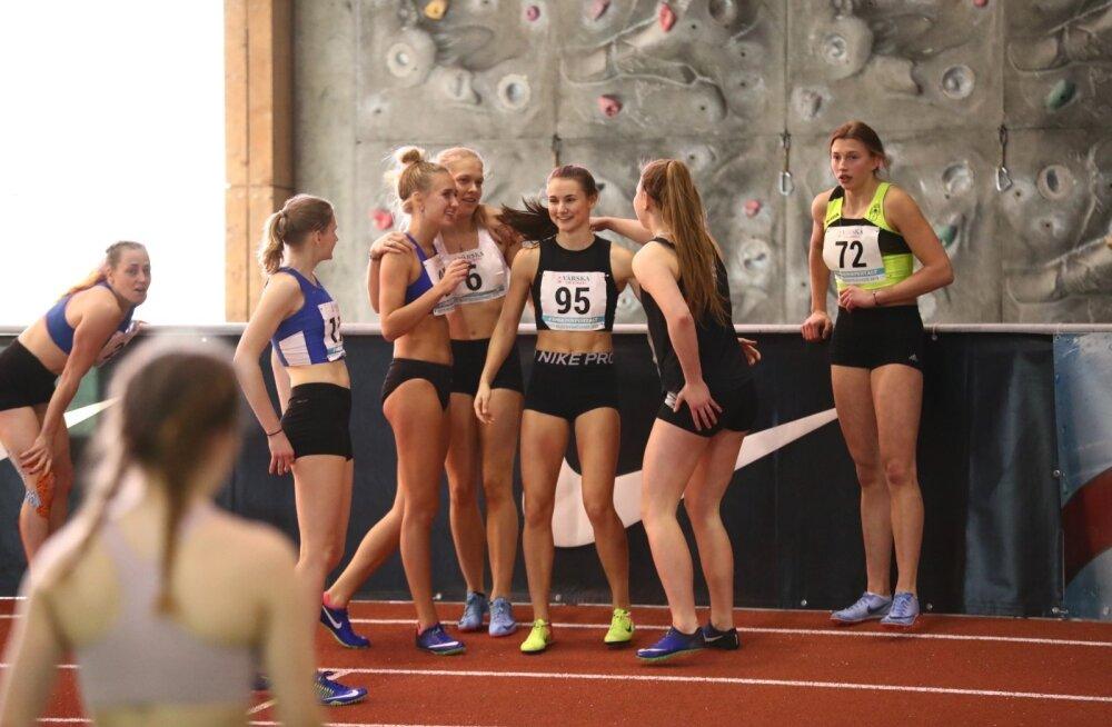 Diana Suumann (nr 95) viis 60 meetri jooksus rekordi 7,50 sekundini, tõkkesprindis sai ta eile ajaks 8,35 ja 8,38.
