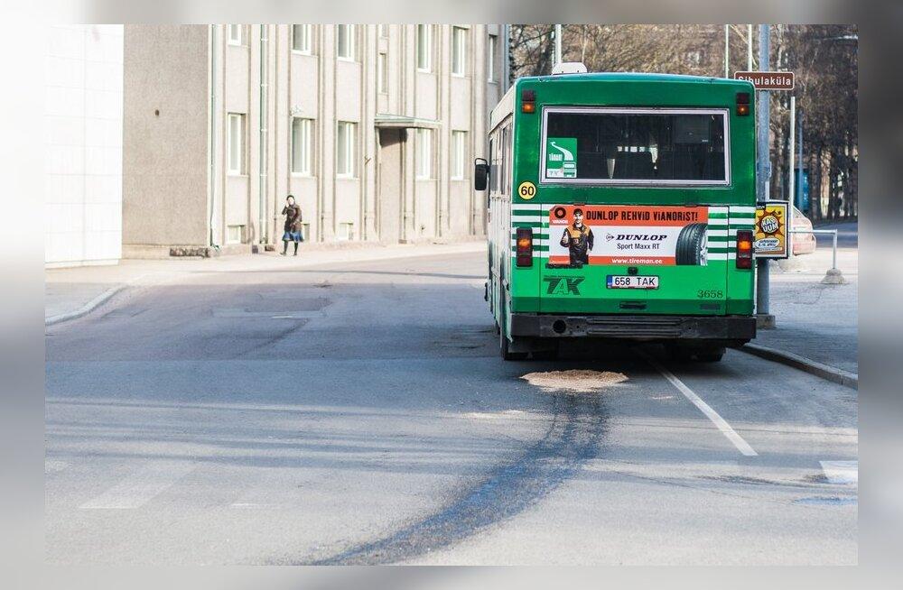 Lugejad ühistranspordist: veel kaheksa häirivat kaasreisijat