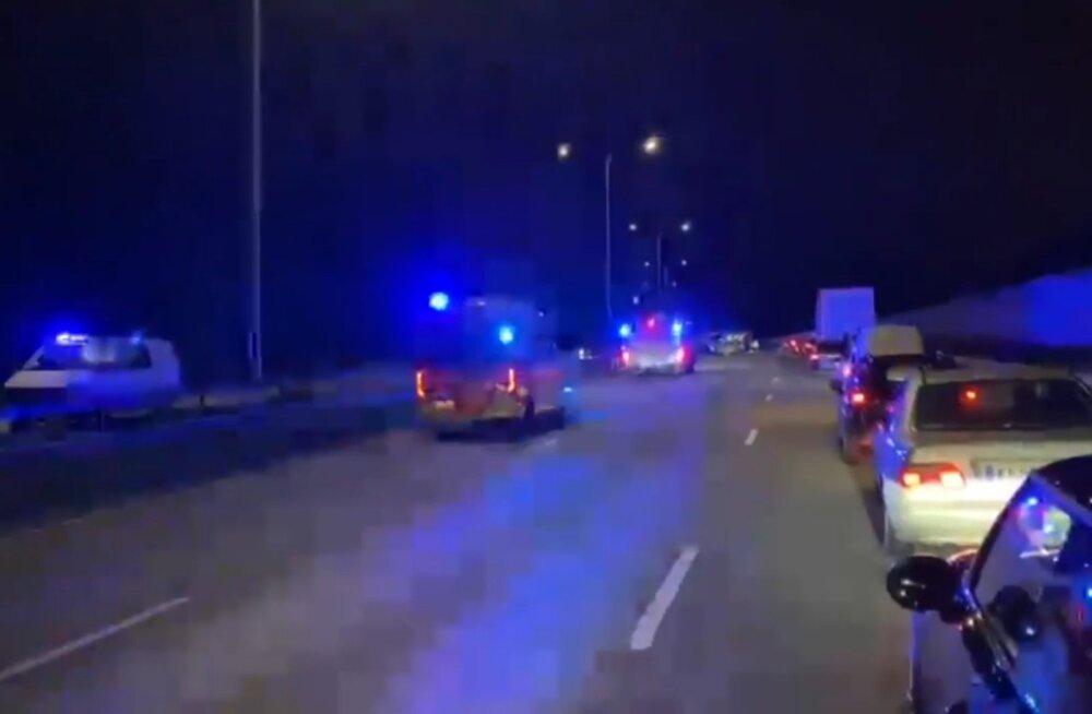 Soomes purjuspäi vastassuunavööndis sõitnud ja kahe inimese surma põhjustanud eestlast pole saadud veel üle kuulata