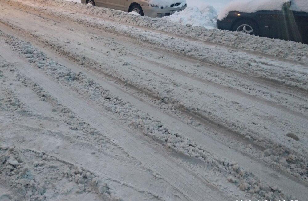 FOTOD | Lugeja: kas tõesti sõltub Tallinnas tänavate puhastamine linnaosa ametnike suvast?