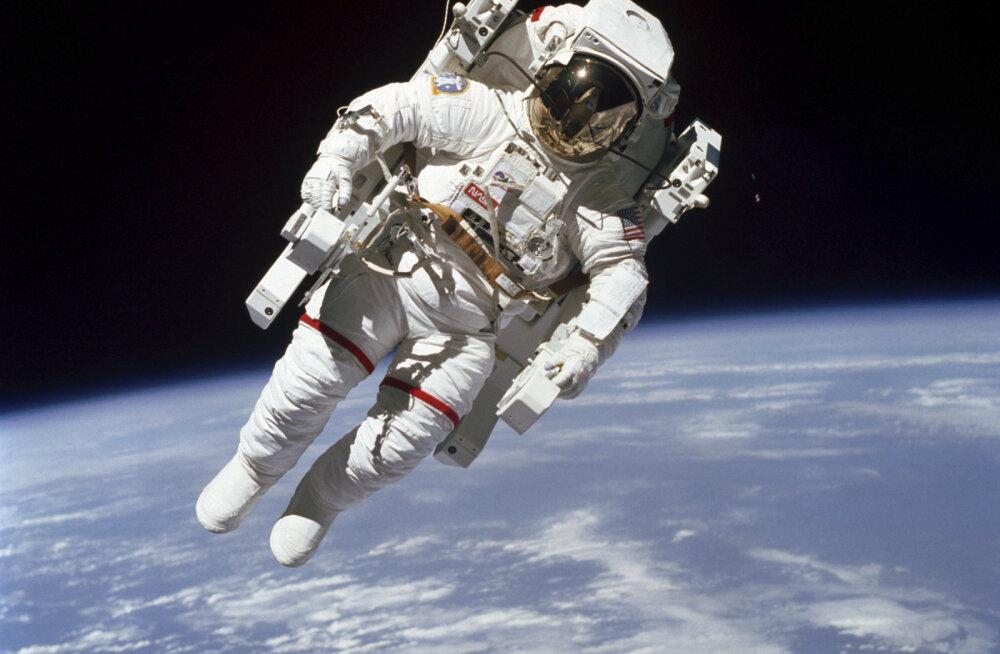 Первый в истории выход космического туриста в открытый космос состоится в 2023 году