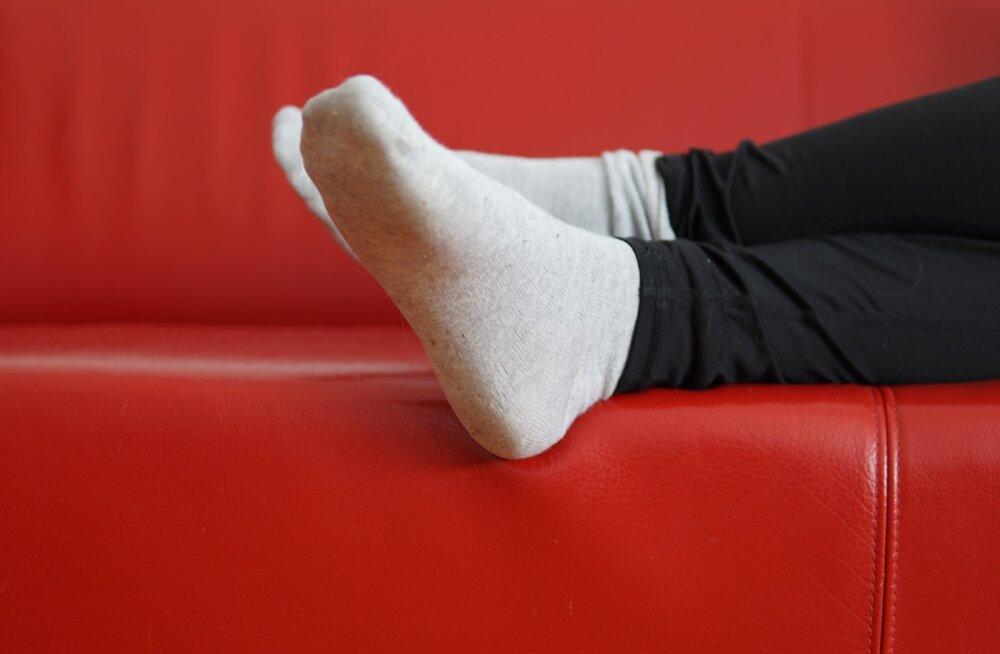 Почему категорически нельзя спать в носках