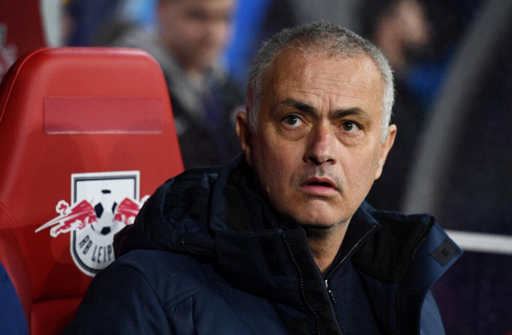 VIDEO | Jose Mourinho tõttas Inglismaal abivajajatele appi