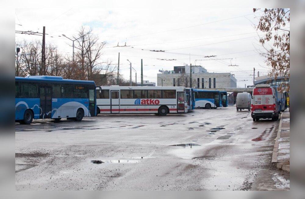 Bussijuhid nõuavad homsel streigil 100 euro suurust palgatõusu
