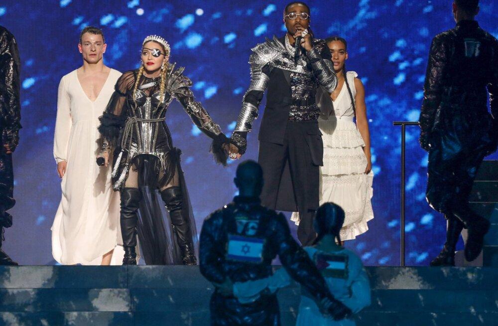 Ei ebaõiglusele! Madonna esinemine Eurovisionil ei lõppenud ilma poliitilise žestita
