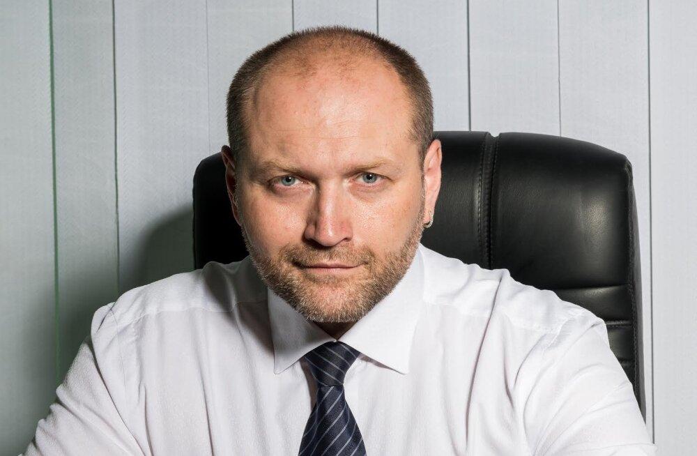 Эстонским орденом награжден и депутат Верховной Рады Украины Береза. Ему недавно грозил Кадыров за стычку со Скабеевой