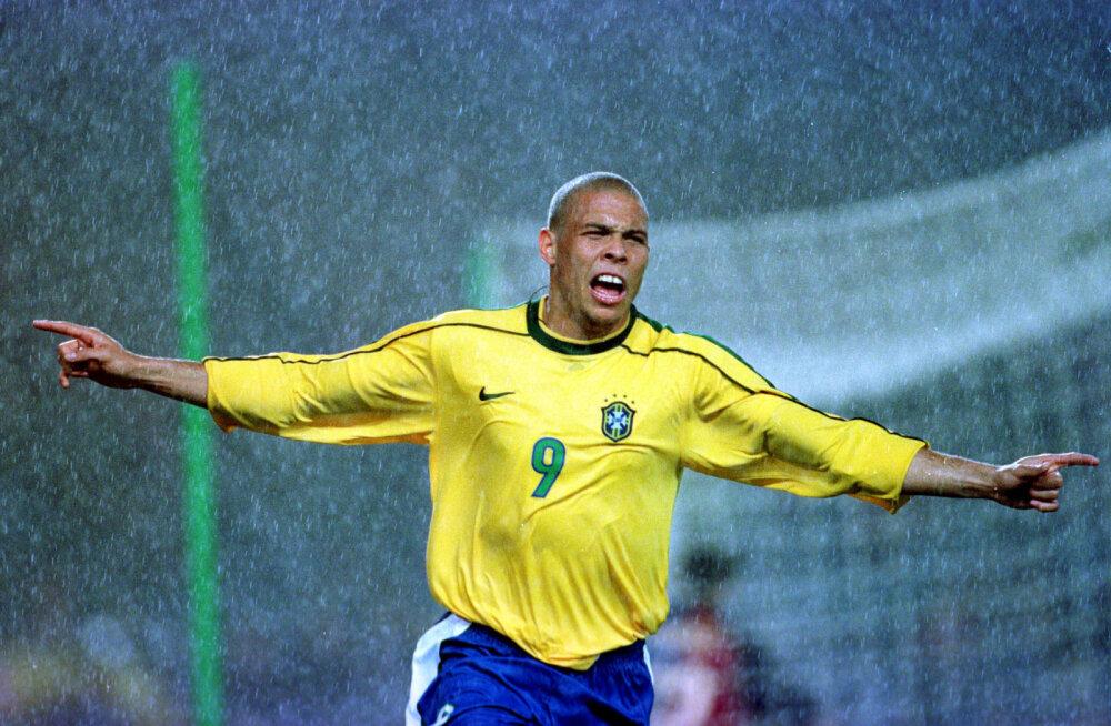 Endine tipptreener meenutas Ronaldo pidutsemist: riietusruum lõhnas alkoholi järele