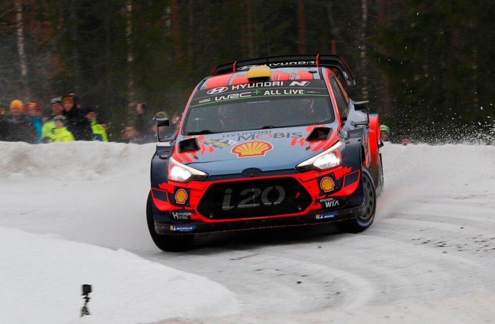 Andreas Mikkelsen Rootsi rallil.