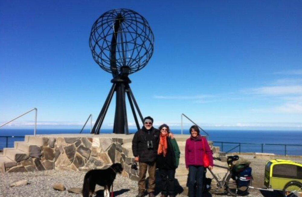 66 aastane Alfred väntab koos koeraga Norrast Aafrikasse
