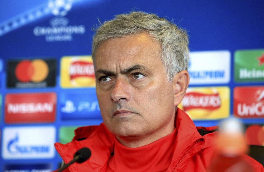 Mourinho on Belgia koondise peale pahane: miks mängitati vigastatud Fellainit?