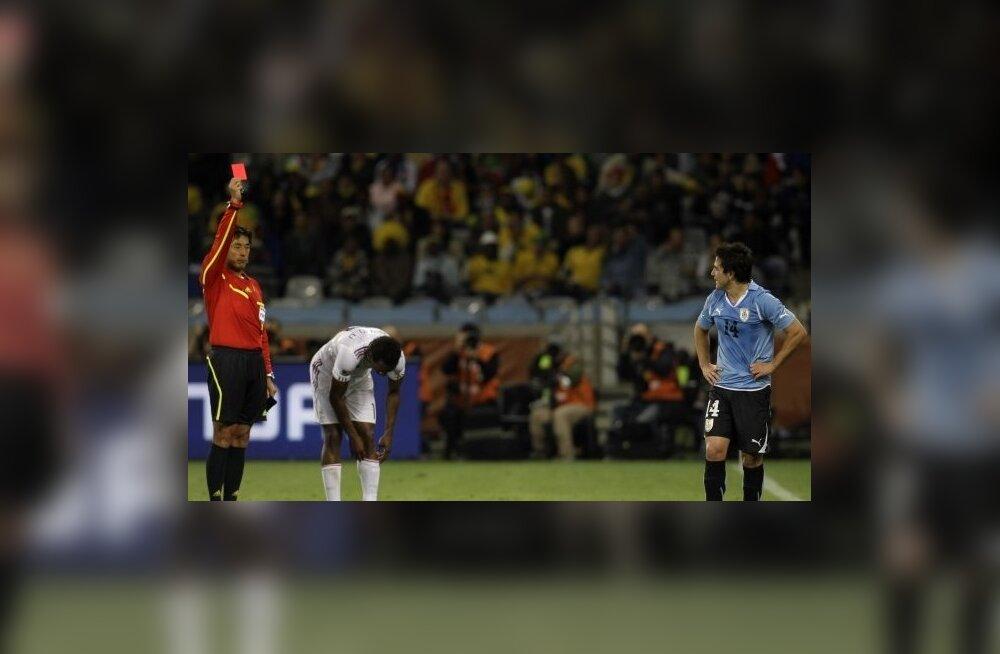 Nicolas Lodeiro saab MM-turniiri esimese punase kaardi