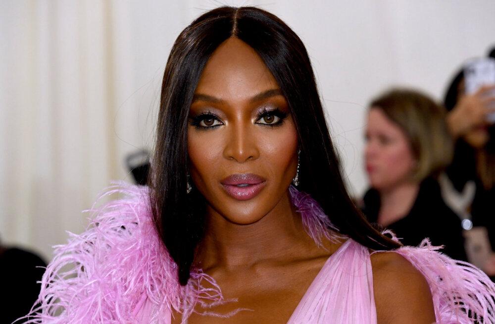 Video: KOLM NIPPI, kuidas supermodell Naomi Campbell teeb endale ise täiusliku meigi