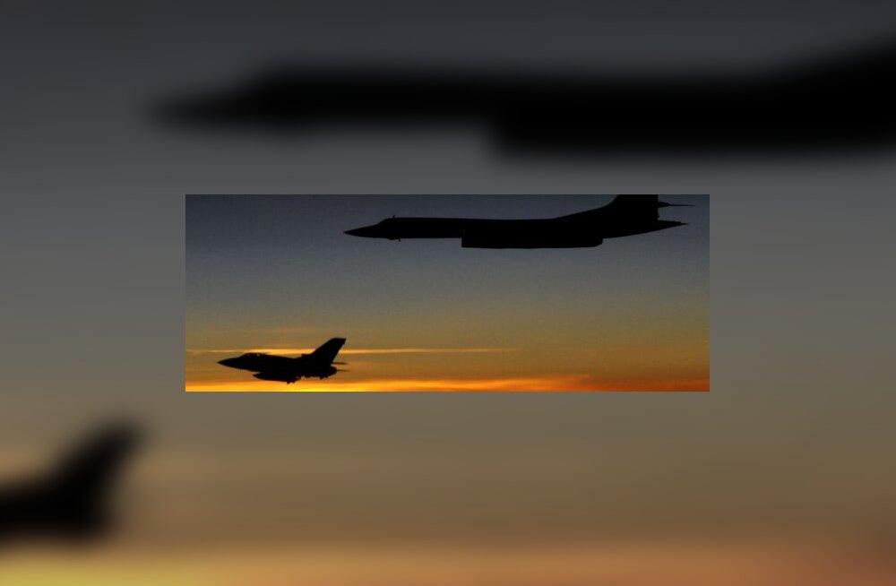 Tu-160 ja Tornado F3
