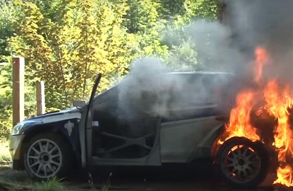 Ole Christian Veiby auto põles taas maha.