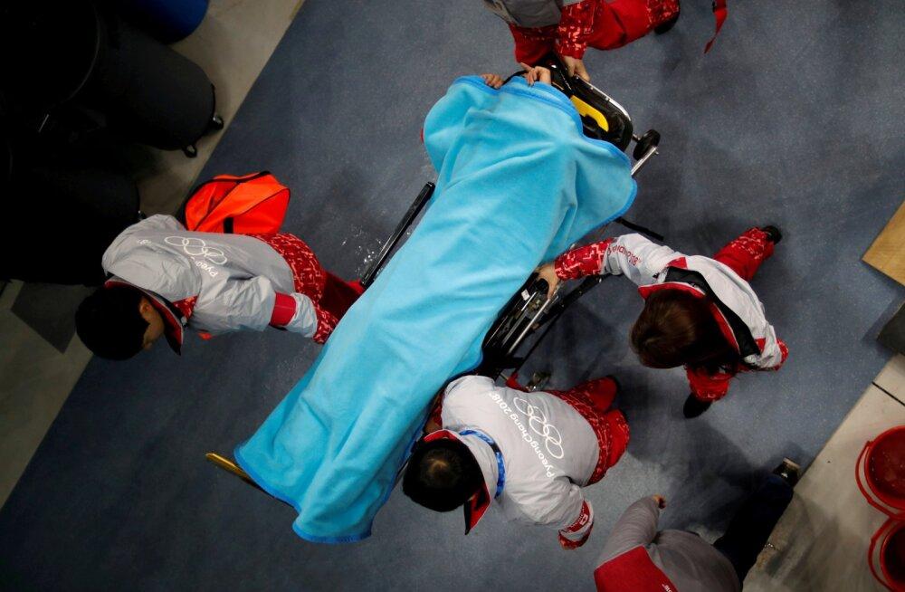 Põhja-Korea kiiruisutaja sai esimesel treeningul olümpialinnas võika vigastuse