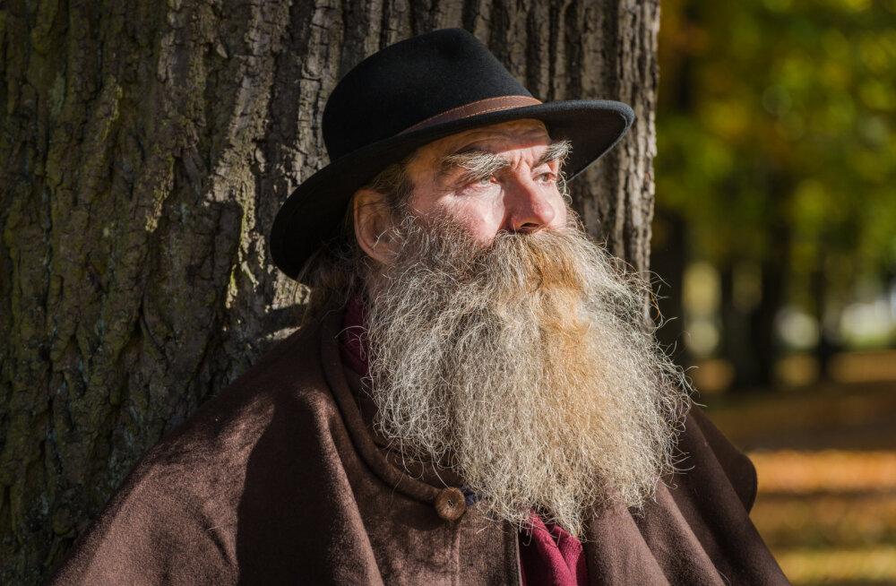 Tähetark Igor Mangi elu ja astroloogiatarkused jõudsid raamatukaante vahele