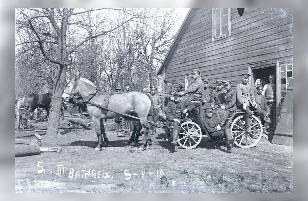 MAALEHE ARHIIVIST | Hobused on Eesti riiki teeninud algusaegadest peale, nii sõja- kui rahuajal. Sõjahobu Purka mälestuseks