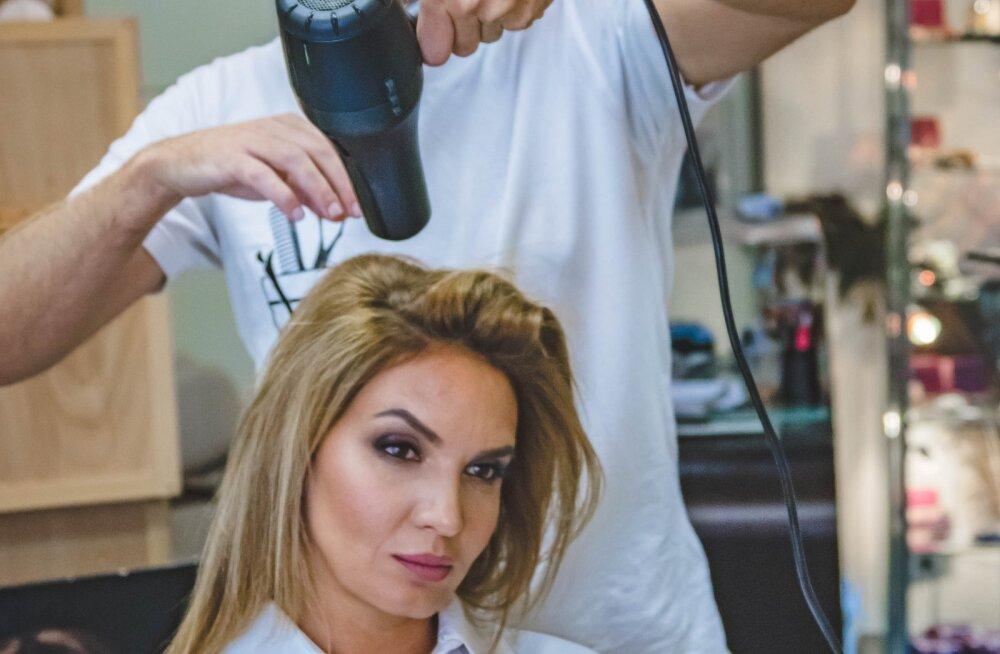 Lihtne põhjus, miks peaksid järgmisel korral juuksurisse minnes paluma, et juuksur su juukseid ei peseks