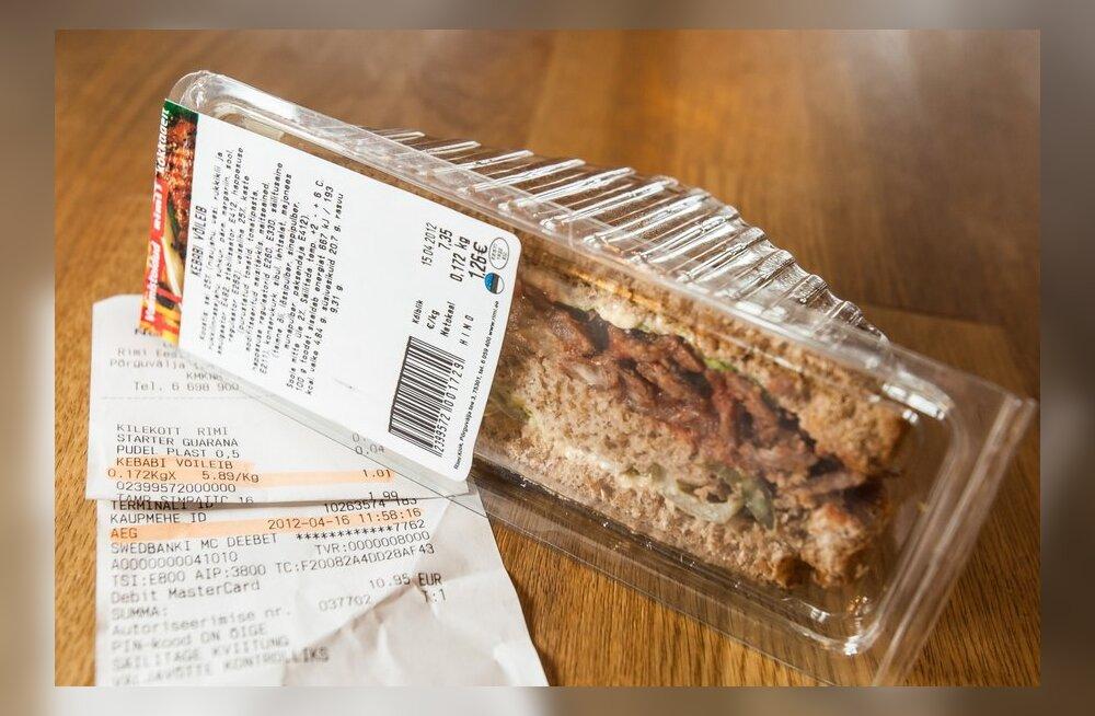 """FOTOD: Rimi müüs """"kõlblik kuni"""" kuupäeva ületanud võileibu"""