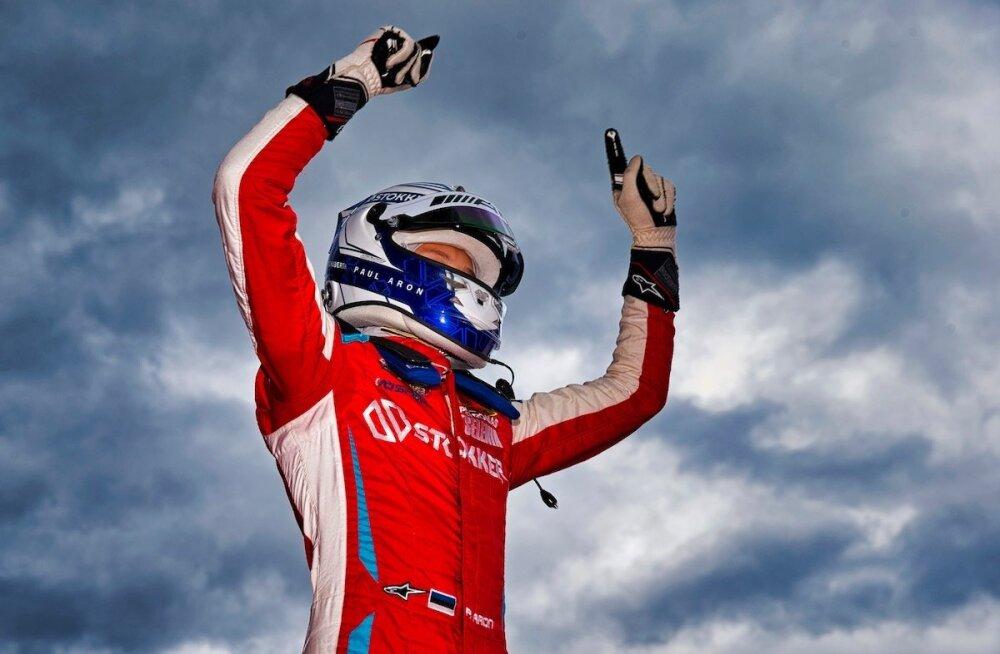 Paul Aron võitis läinud nädalavahetusel Austrias Red Bulli ringrajal Itaalia F4 etapi esimese sõidu.