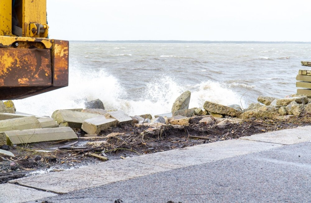 Torm Saaremaal, vesi taandub