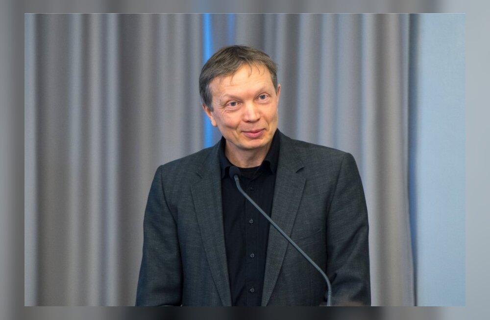 VAATA, kes on esimesed viis Eesti palgalist kirjanikku