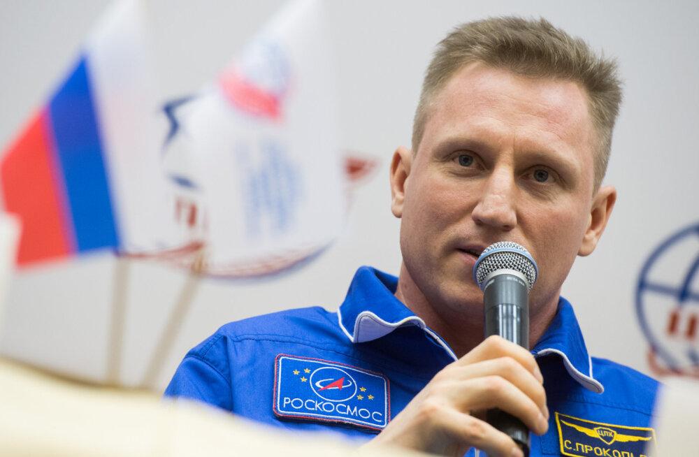 Vene kosmonaut: ISS-i tekkinud augu põhjust tasub otsida jaama seest