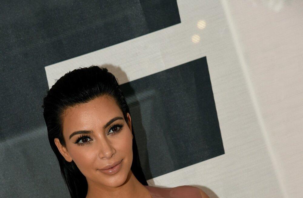 Arvate, et Kim Kardashiani teine rasedus on võltsing?
