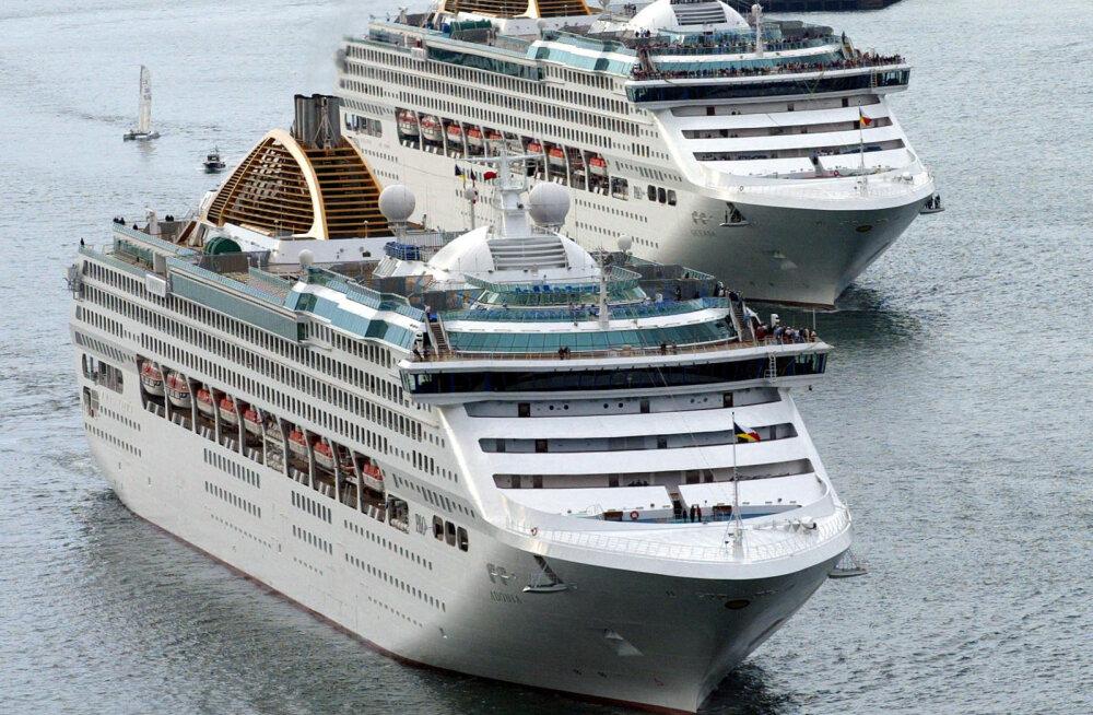 Как десятки тысяч сотрудников круизных лайнеров оказались в заложниках у моря