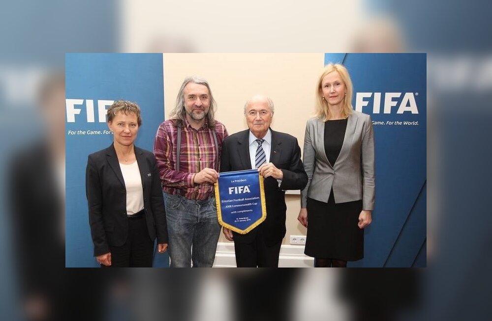 Aivar Pohlak ja Sepp Blatter