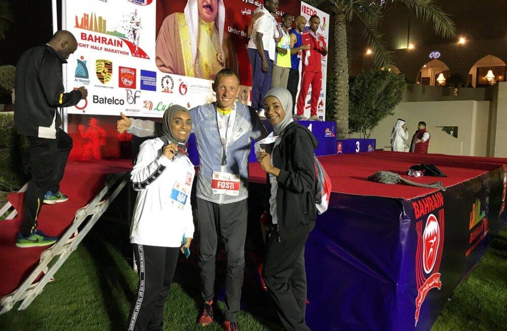 Roman Fosti vahejuhtumist Bahreini poolmaratonil: ise olen süüdi, et viietärni hotelli toitudel end ahvatleda lasin