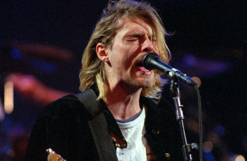 Tõelise fänni unelm: Kurt Cobaini legendaarne kampsun müüdi ulmelise hinnaga