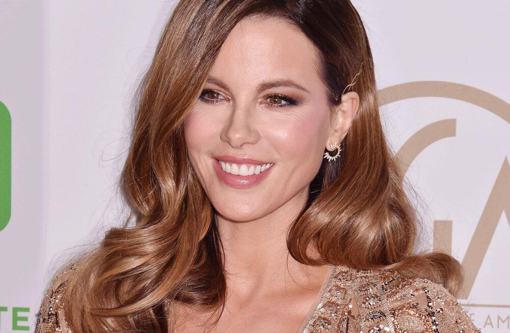 Kuldaväärt vastus! Kate Beckinsale pani fänni, kes uuris, miks ta alati nii noorte meestega suhteid loob, julgelt paika