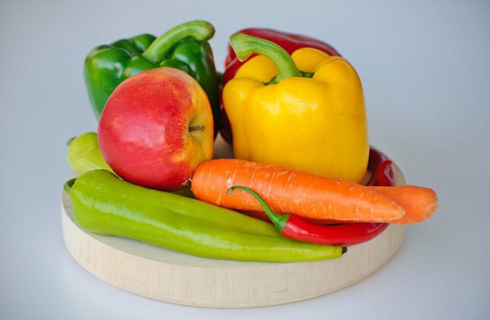 Seda lihtsat nippi kasutades püsivad puu- ja köögiviljad külmkapis lausa mitu nädalat värskena