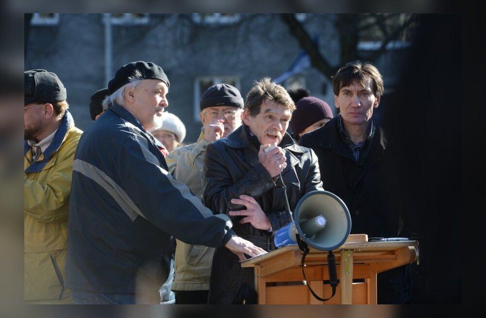 ФОТО DELFI: В Таллинне прошел митинг в поддержку русского населения Украины