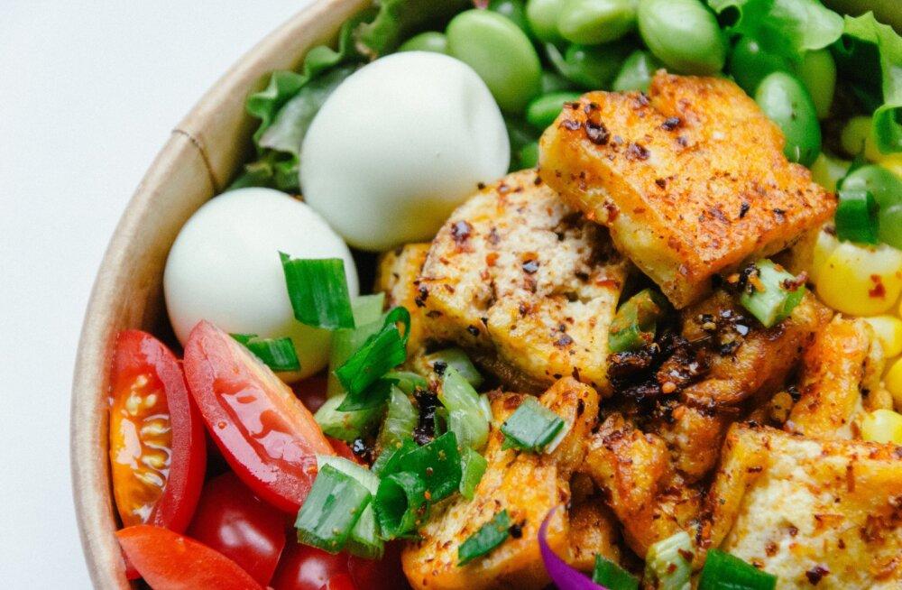 Igaühele midagi: proteiinirikkad toiduained kõigesööjatele ja taimetoitlastele, et menüü oleks kirevam