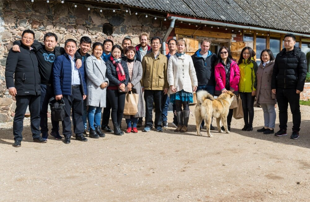 Hiina delegatsioon Andre juustufarmis