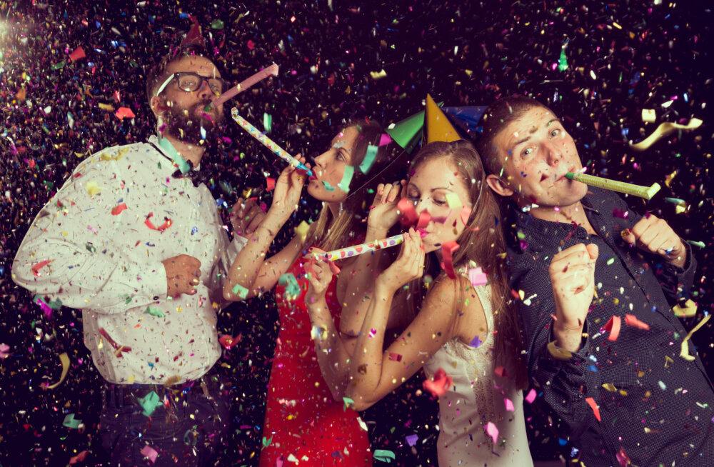 Uusaastapeo etikett: seitse asja, mida pead teadma ja tegema, et sinust saaks peo kõige toredam külaline