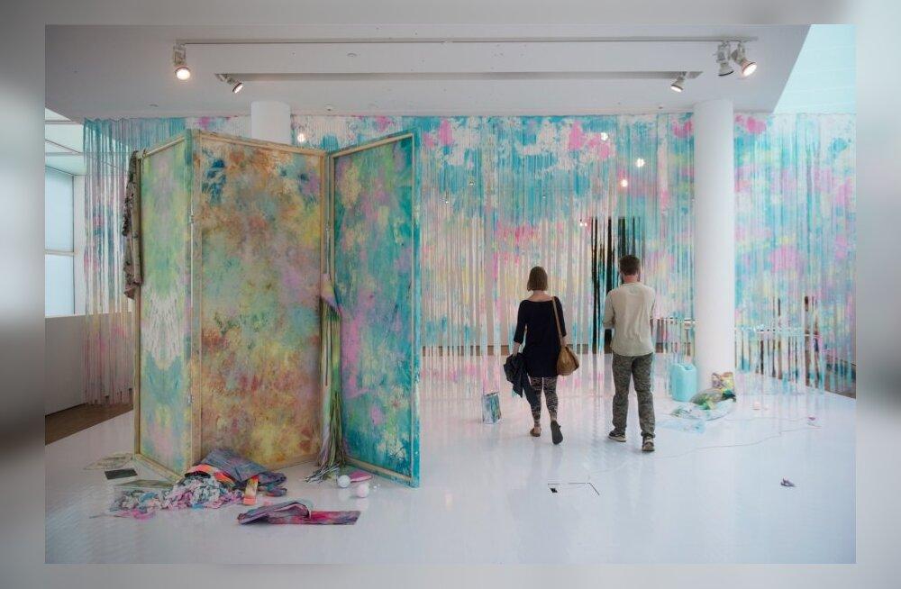 """Merike Estna näitus """"Sinine laguun"""""""
