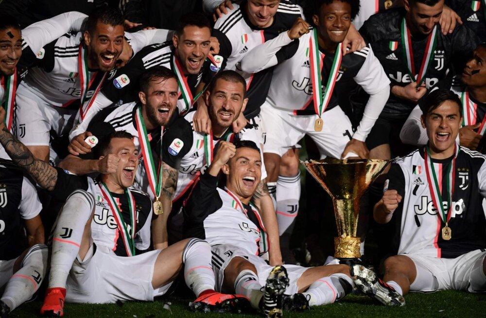 Cristiano Ronaldo (keskel) aitas Torino Juventusel võita kaheksanda Itaalia meistritiitli järjest. Juventus on üks neid tiime, kes soovib Meistrite liiga muutumist n-ö superliigaks.