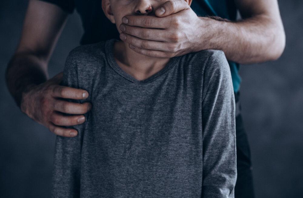 Argentiinlane vägistas oma tütart aastate jooksul korduvalt ja sai temaga kaheksa last