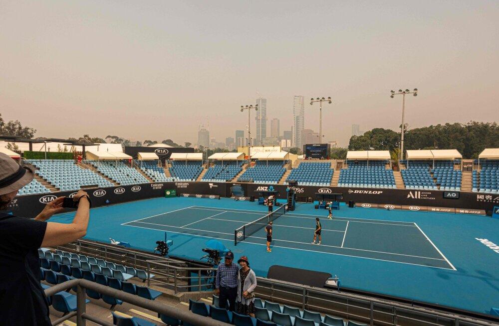Absurd! Melbourne'i elanikel palutakse tuppa jääda, aga Australian Openi korraldajad õhusaaste ees ei alistu