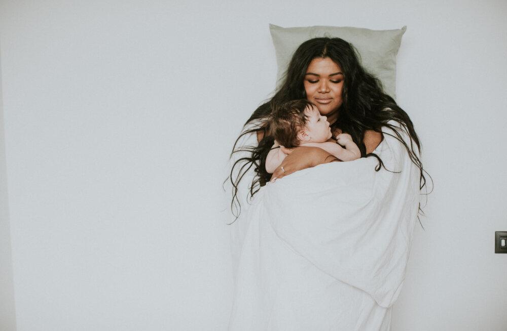 FOTOD   Suunamudija Kristina Pärtelpoeg seljavalude tõttu tehtud rinnavähendusoperatsioonist: läks hästi, et saan Khelanit imetada