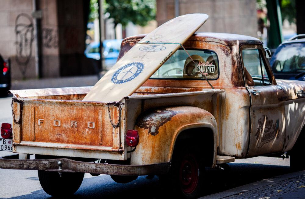 Ühel pann ja teisel tõld: Staaride esimesed autod