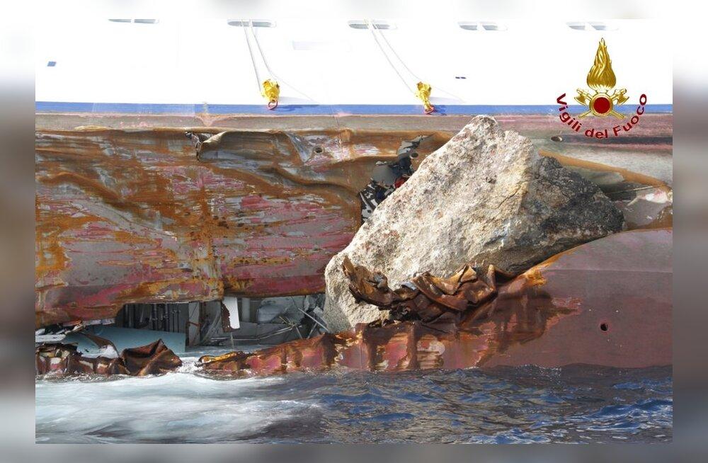 Costa Concordia möödus augustis samas kohas kaldast veelgi lähemalt