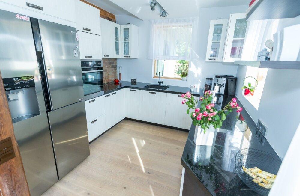 Taisi Oesso köök,Haaslava vald,  Kanarbiku kodu